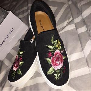 Floral 🌹Madden girl platform slip-on 💕🎀🔥